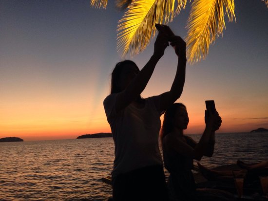 Sunset Bar at Shangri-La's Tanjung Aru Resort and Spa: Selfie