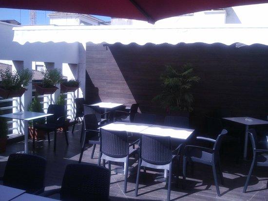 Hotel Universal: Terraza cafetería