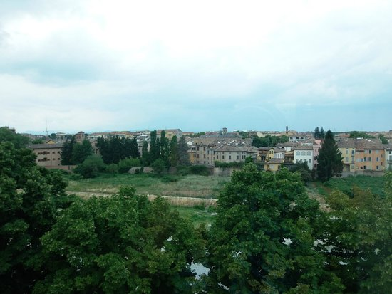 Ibis Styles Parma Toscanini : il fiume