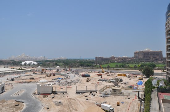 Khalidiya Palace Rayhaan by Rotana: Building Site View!