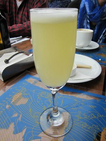 Hotel Fauna : pisco sour on the rooftop restaurant