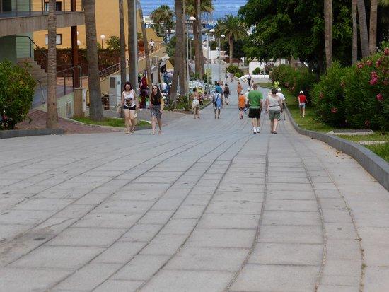 Be Live Experience La Niña: Long Gradient down to beach area