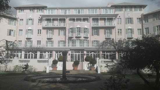 Belmond Mount Nelson Hotel: The front of the Hotel