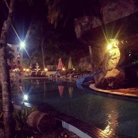 Aseania Resort & Spa Langkawi Island : Night time pool view