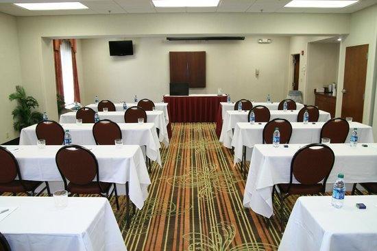 Hampton Inn & Suites Springfield - Southwest: Hampton Southwest offers comfortable accommodations for your meetings
