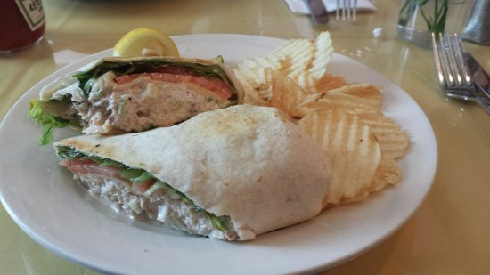 Black Seal Seafood Grille: Crab Roll