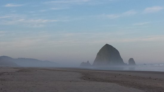 Land's End at Cannon Beach : Haystack Rock