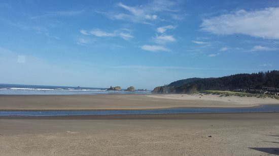 Land's End at Cannon Beach : View from the dining table.