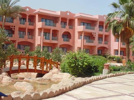 Park Inn by Radisson Sharm El Sheikh Resort: stroll back to the room