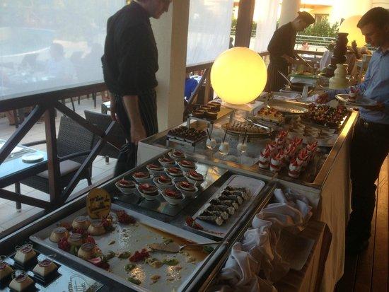Protur Biomar Gran Hotel & Spa: Amazing food. So much variety!