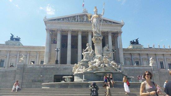 Parliament Building: Outside