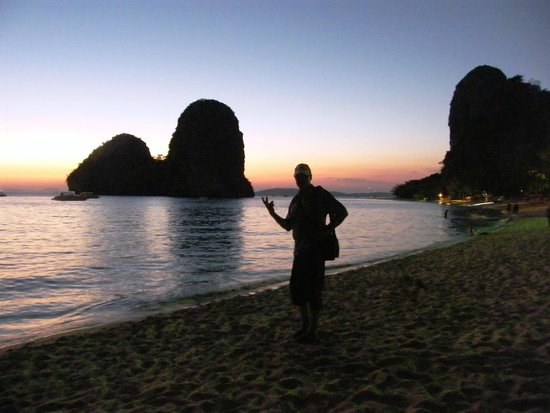 PhraNang Cave Beach: Sunset at Phra Nang