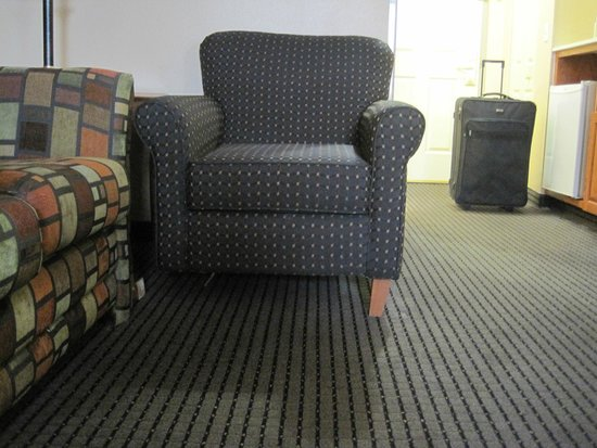 Country Inn & Suites By Carlson, Elk Grove Village at I-290, IL: Chair with missing leg - after it fell over on me