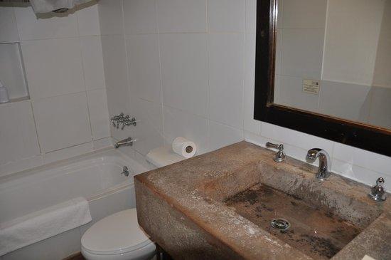 El Albergue Ollantaytambo: Baño habitación