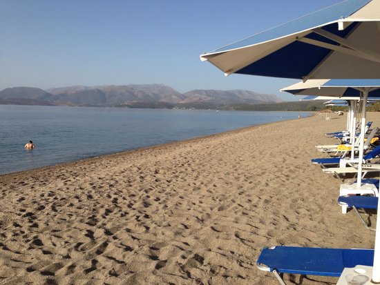 Mavrovouni Beach: Beauty