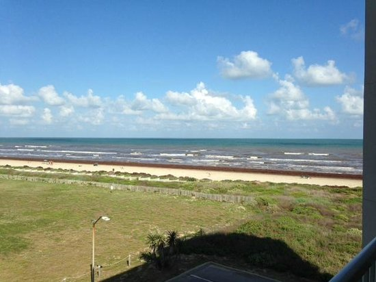 Holiday Inn Club Vacations Galveston Beach Resort: View from balcony of room 37A