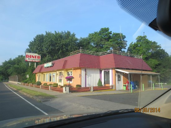 New Britain Diner Restaurant: view from street