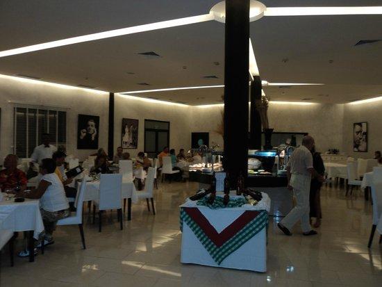 Sirenis Punta Cana Resort Casino & Aquagames : restaurant italien