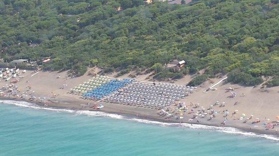 Hotel Flora: La spiaggia ...dal nostro amico Claide!