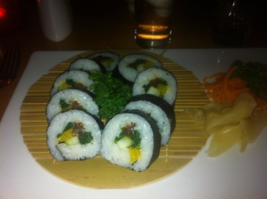 Yo Yo Bar & Restaurant: If you want great sushi this is the place!
