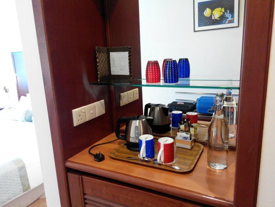 Hulhule Island Hotel: Coffee/Tea Making Facility