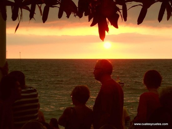 Cuates y Cuetes : Sunsets