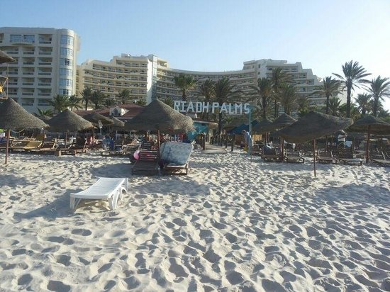 Riadh Palms Hotel: The beach
