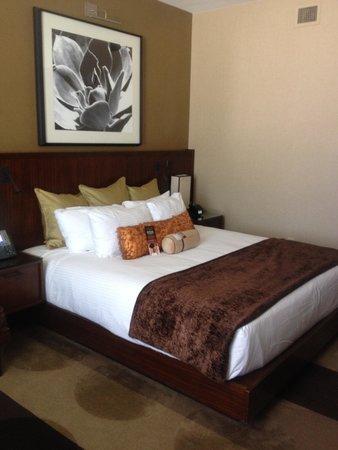 Aliante Casino + Hotel + Spa: King Bed