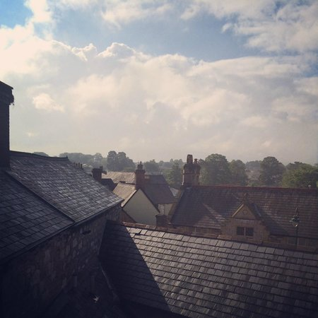 Manorhaus Ruthin: A room with a view