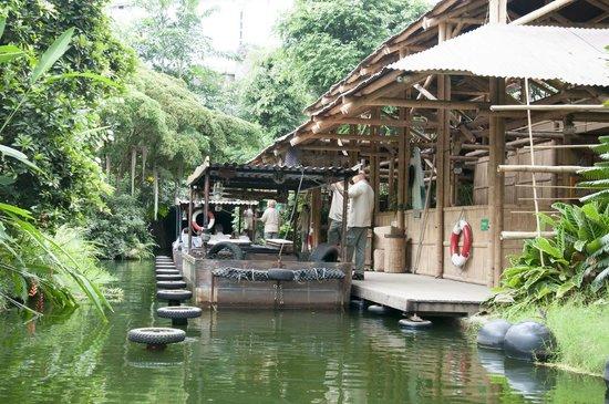 Leipzig Zoo (Zoologischer Garten Leipzig): Mit dem Elektroboot durch Gondwanaland
