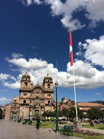 Plaza de Armas (Huacaypata): View of Cathedral