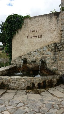 Hotel Rustico Vila Do Val: terraza