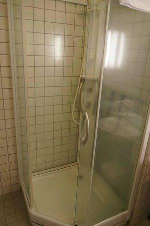 Hotel Selfoss: The stinky bathroom.