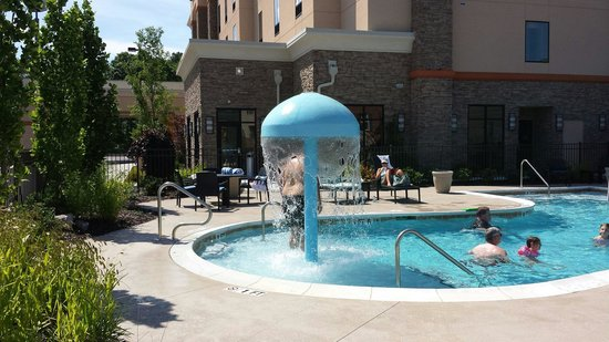 Hampton Inn Chattanooga West/Lookout Mountain : The outside pool