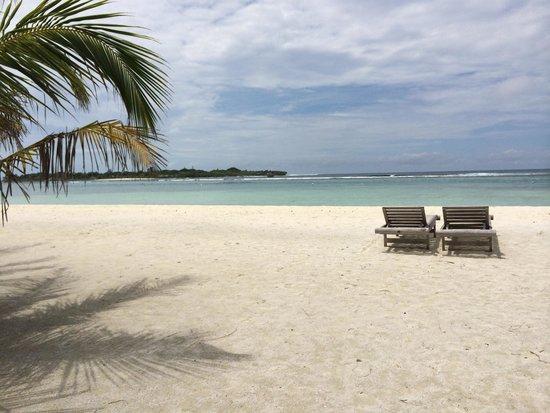 Club Med Kani : Relaxing resort back area