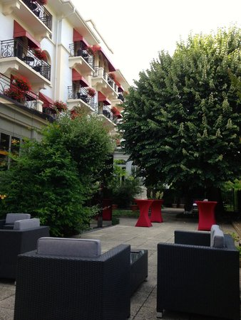 Carlton Lausanne Boutique Hotel : Place relaxing aperitif
