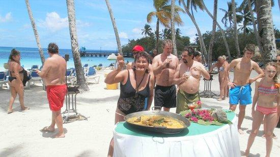 Hotel Bayahibe: jurado de paellas en la zona recreativa