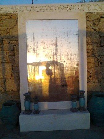 Mykonos Bay Hotel: specchio con tramonto