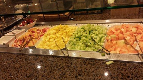 Embassy Suites by Hilton Orlando Lake Buena Vista South: frutas frescas