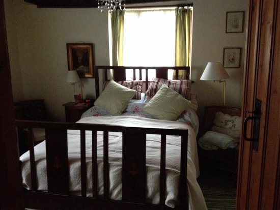 White House Farm: Room 1