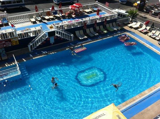 Musti's Royal Plaza: amazing pool and amazing view