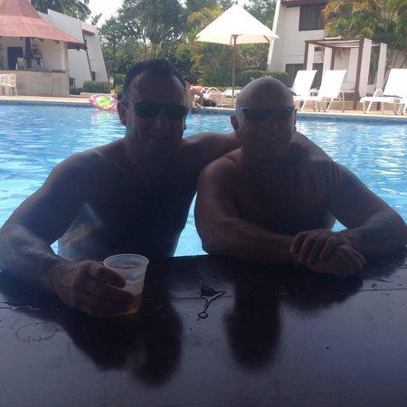 BlueBay Villas Doradas Adults Only: Chillin in the pool bar