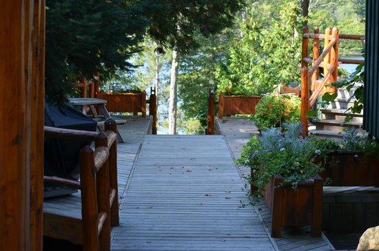 Heather Lodge: Walkway