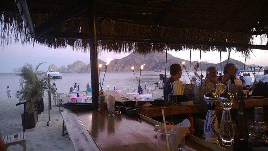 Medano Beach: Bar seats are swings.