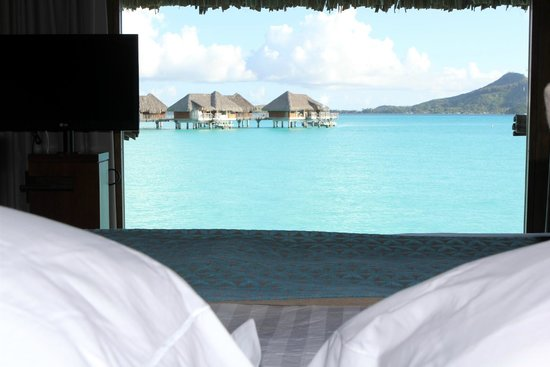 InterContinental Bora Bora Resort & Thalasso Spa: View from our bed