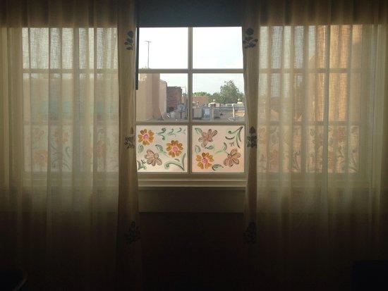 La Fonda on the Plaza: Deluxe bedroom window