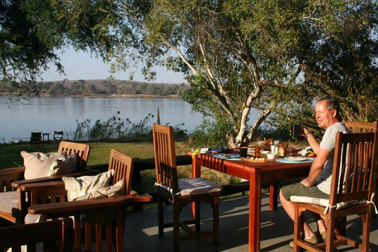Waterberry Zambezi Lodge: breakfast with a view