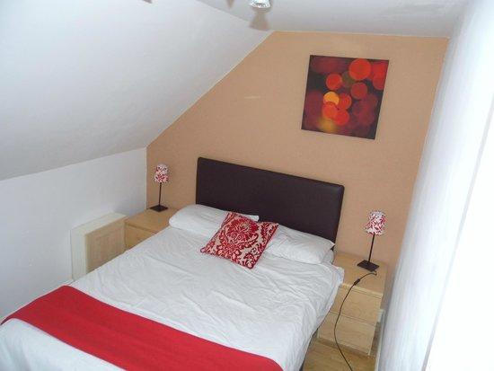 Bristol Serviced Lettings: Main bedroom