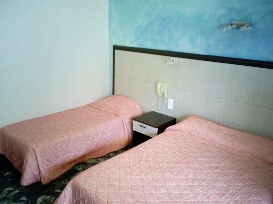 Hotel Le Mediterranee : Chambre 23
