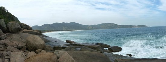 Lopes Mendes Beach : Lopes Mendes vista da praia de Santo Antonio